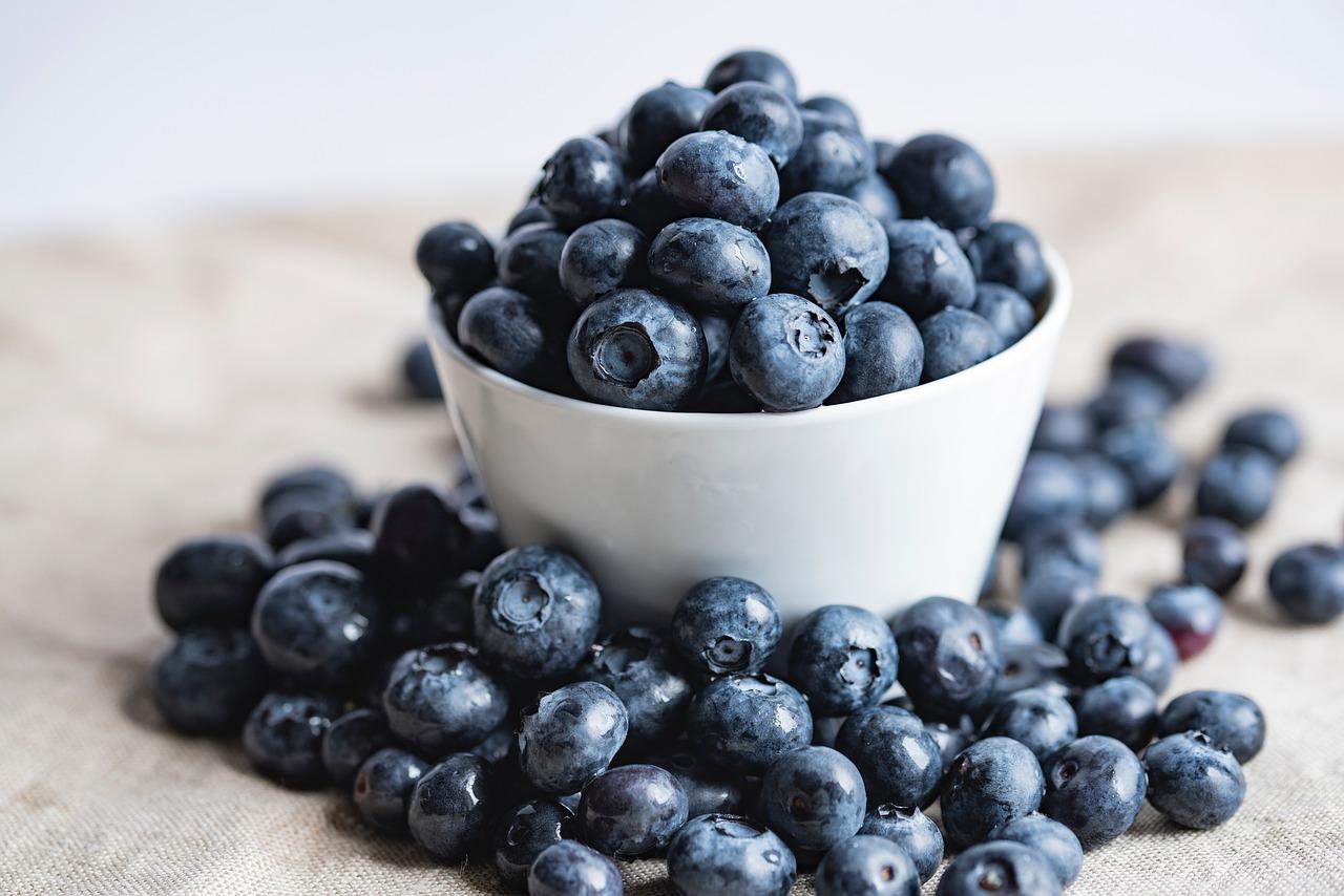 Drobné fialové bobuľky poskytujú koži ochranu pred voľnými radikálmi, stresu či znečisteniu.