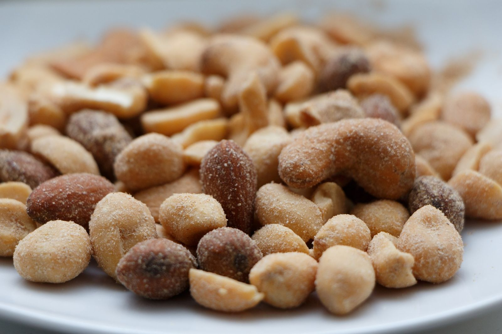 50 gramov orieškov denne zníži hladinu cholesterolu amá na telo priaznivé protizápalové účinky.
