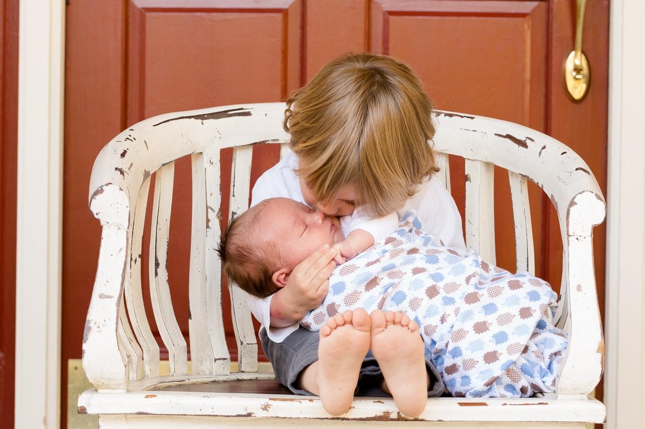 deti s dvojročným vekovým odstupom
