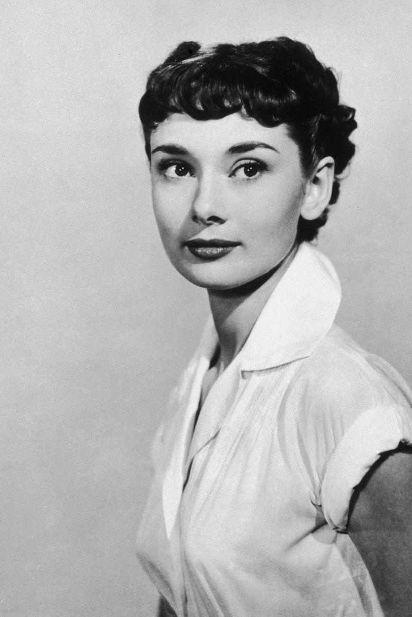 Audrey Hepburn a jej krátky pixie účes.