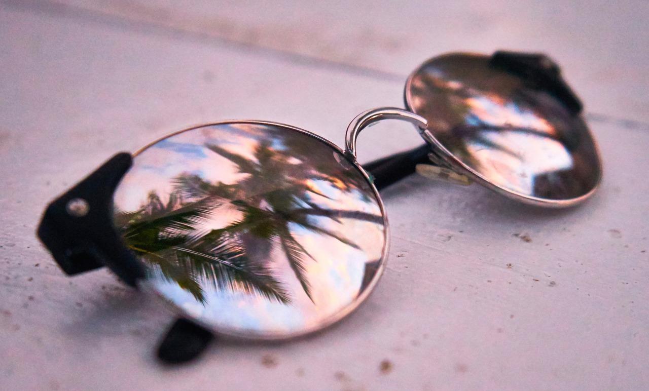 Okuliare vám nie len poskytnú väčší komfort ašmrnc, ale hlavne ochránia vaše oči pred škodlivým slnečným žiarením.