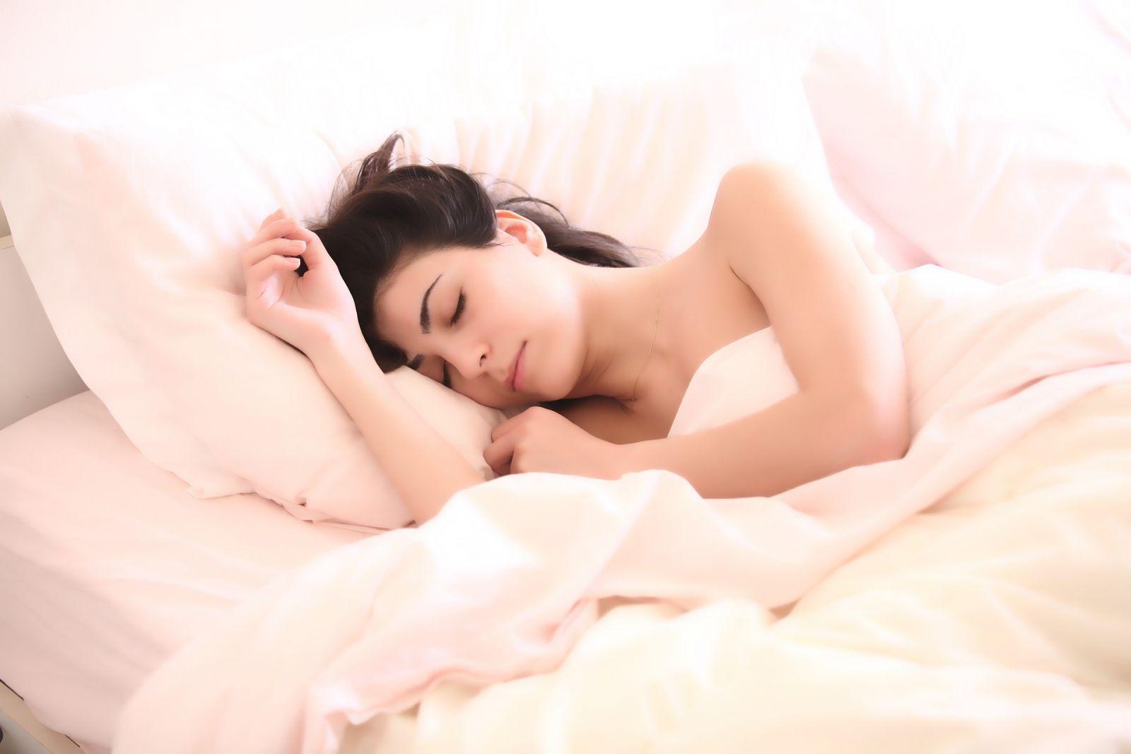 Nekvalitný spánok alebo jeho nedostatok priamo ovplyvňuje nie len vašu fyzickú kondíciu, ale aj náladu.